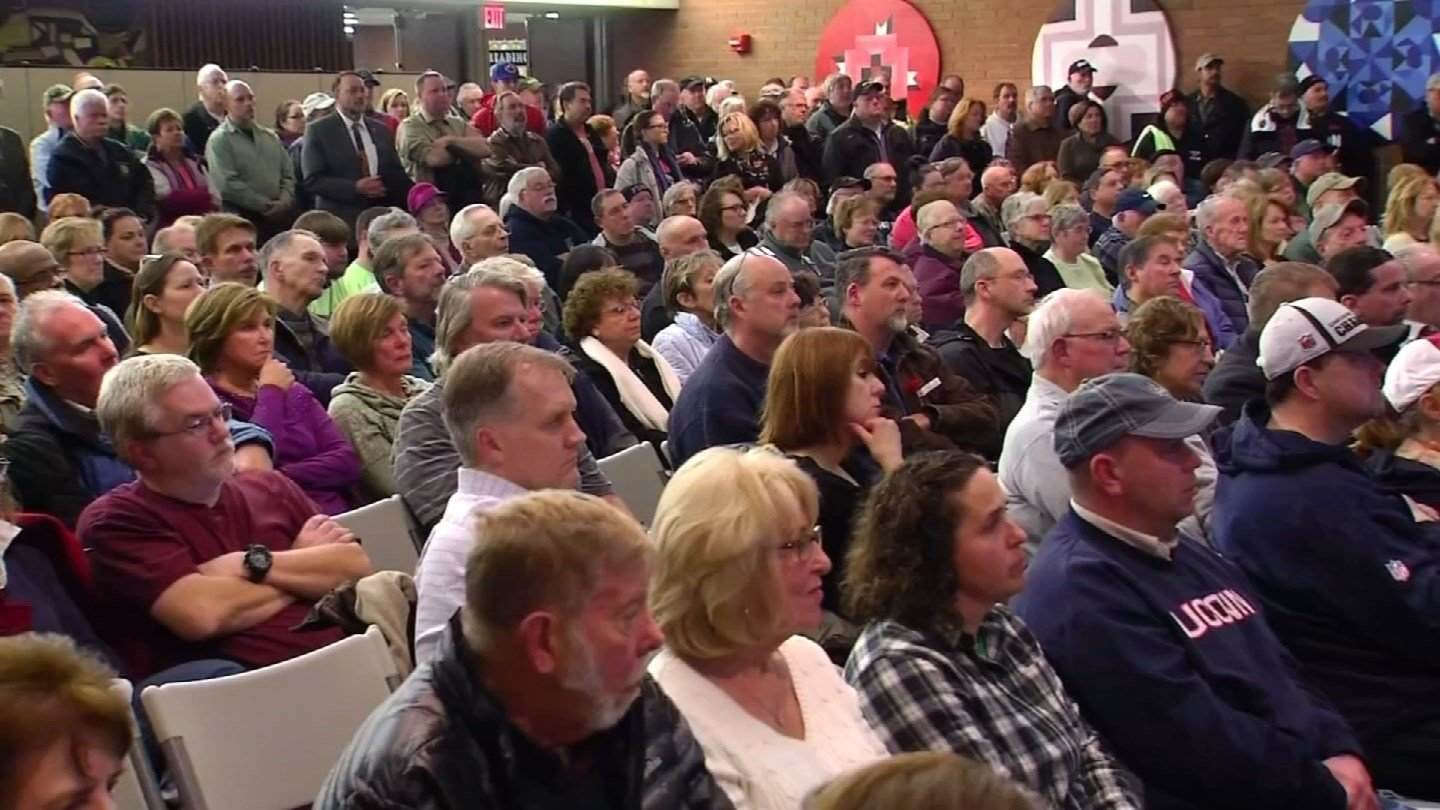 People packed a community conversation about a casino in East Windsor earlier this week. (WFSB photo)