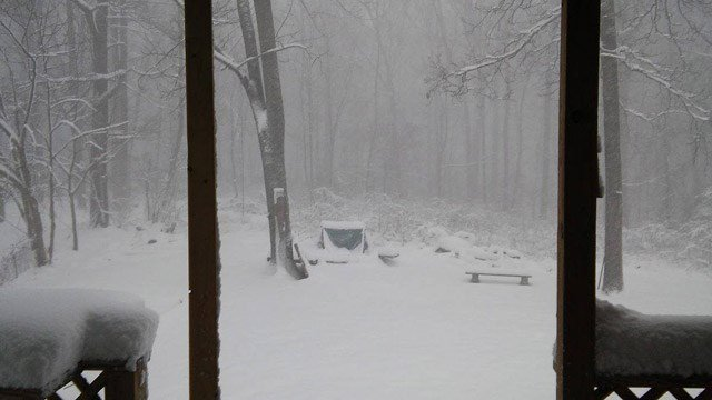 A look at the snow in Colchester on Thursday morning. (Cindy/iWitness photo)