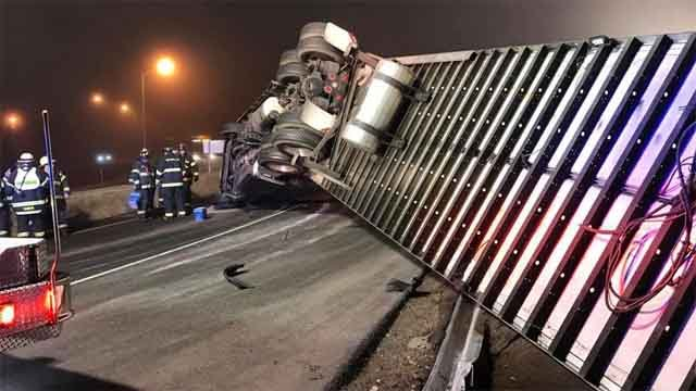 A tractor trailer rollover has closed the Route 9 south ramp that leads to I-95 north in Old Saybrook (Old Saybrook Fire Dept.)