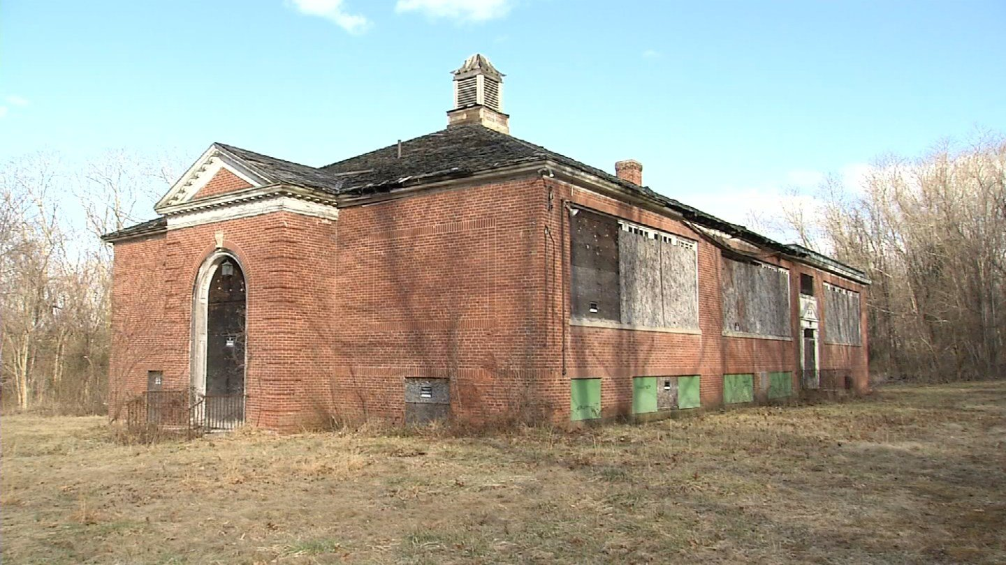 Middle Haddam School has been around for more than 80 years in the East Hampton community. (WFSB)