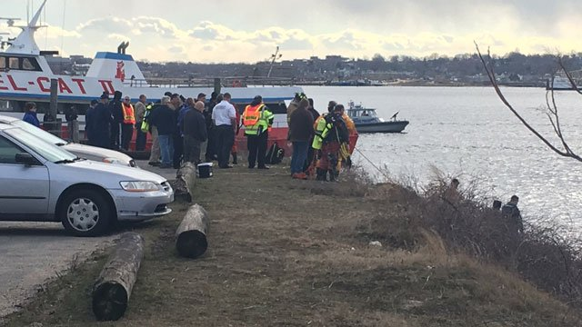 A car was found floating down Thames River near the back of Puffins restaurant on Friday afternoon. (WFSB)