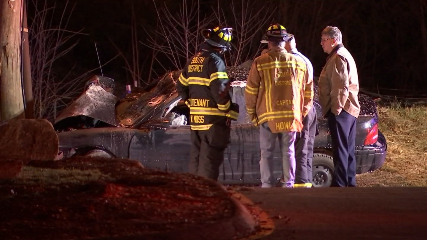 Two people were involved in a crash in Middletown Thursday night (WFSB)