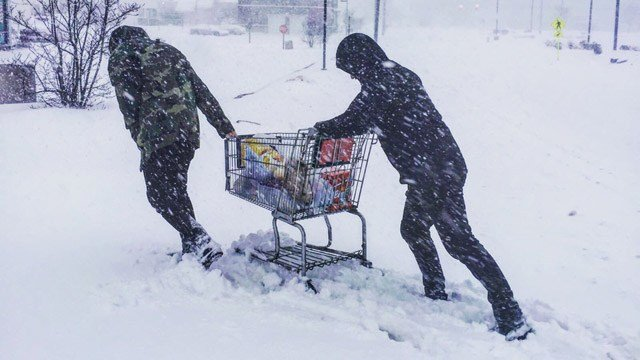 Snowy conditions reported in Wethersfield. (Wim Gilles and Lennart/iWitness photo)