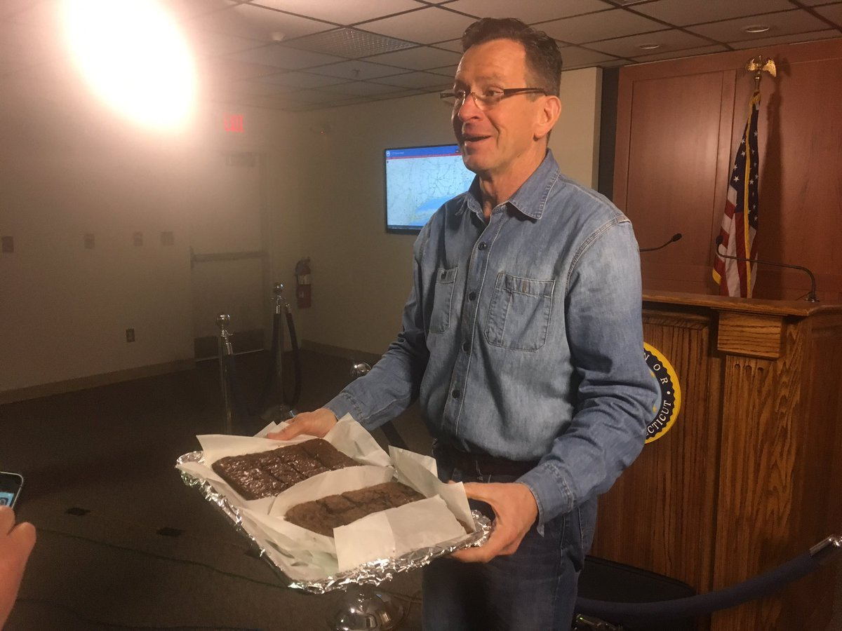 Gov. Malloy delivered some brownies to the media (Chris Collibee)