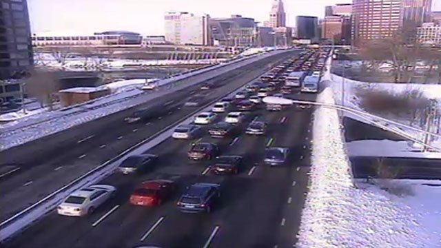 Traffic was backing up on the Founders Bridge in Hartford Thursday morning. (DOT photo)