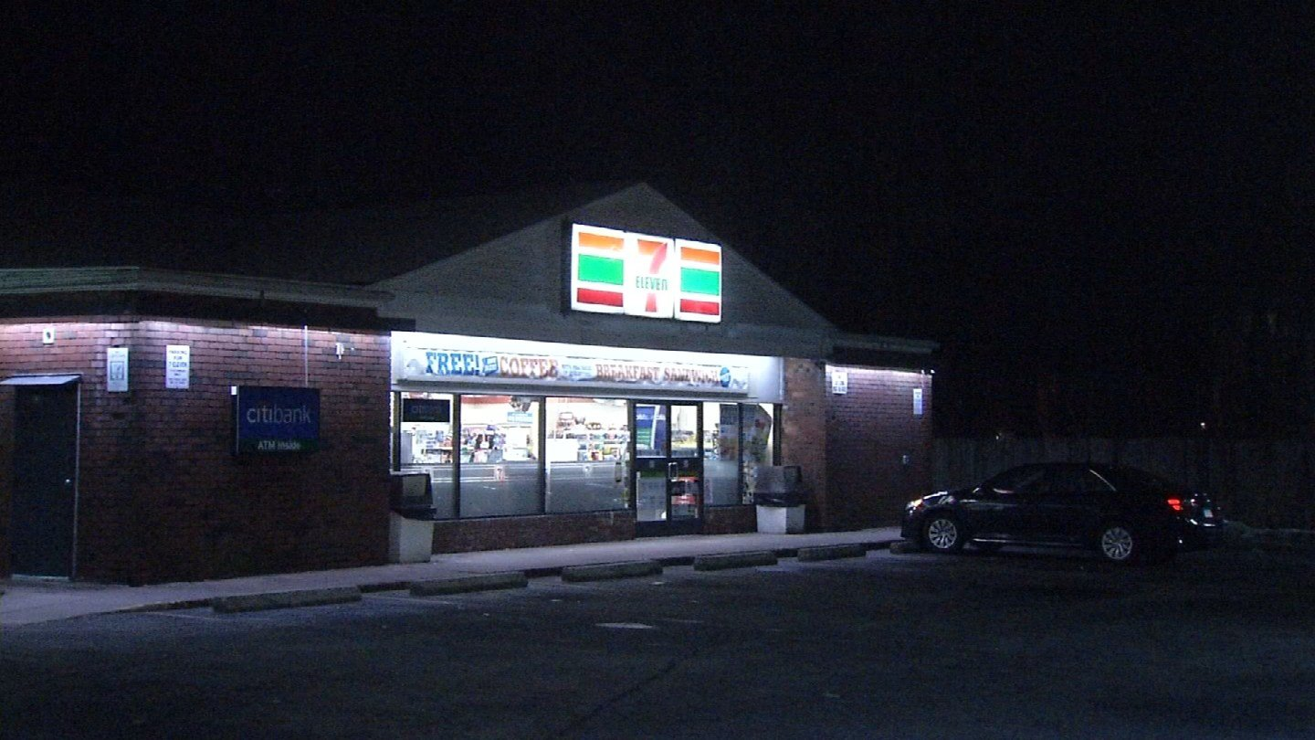 The 7-Eleven on Burnside Avenue in East Hartford was robbed early Tuesday morning. (WFSB photo)