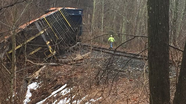 Five cars from a Housatonic Railroad cargo train derailed at River Road and Rooster Tail Hollow. (WFSB)