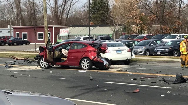 A serious crash closed Hartford Turnpike on the Vernon-Manchester line. (Kris Reindel/iWitness photo)