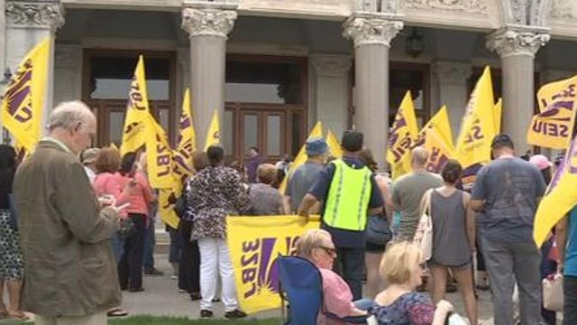A huge immigrants' rights rally was held on Saturday afternoon at the State House in Hartford.  (WFSB)