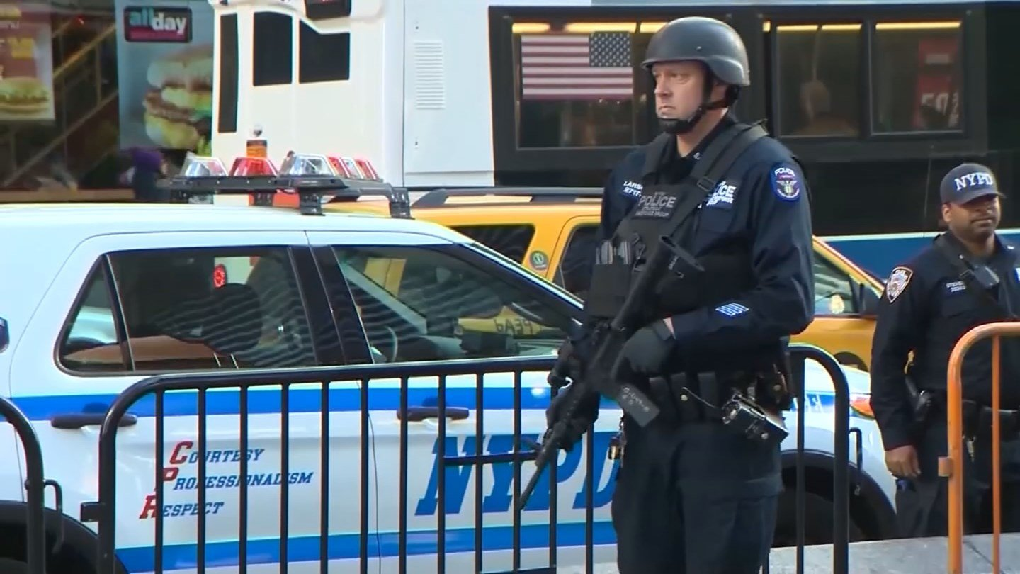 The TSA warned the country's largest police departments, including New York City's, of the potential for truck attacks.  (CBS photo)