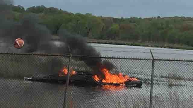 Crews responded to a boat fire in Stratford on Tuesday (DEEP)