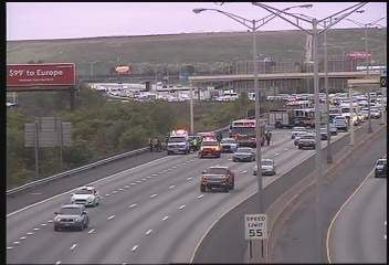 A crash on I-91 southbound between exits 33 and 32 in Hartford.  (CT DOT camera)