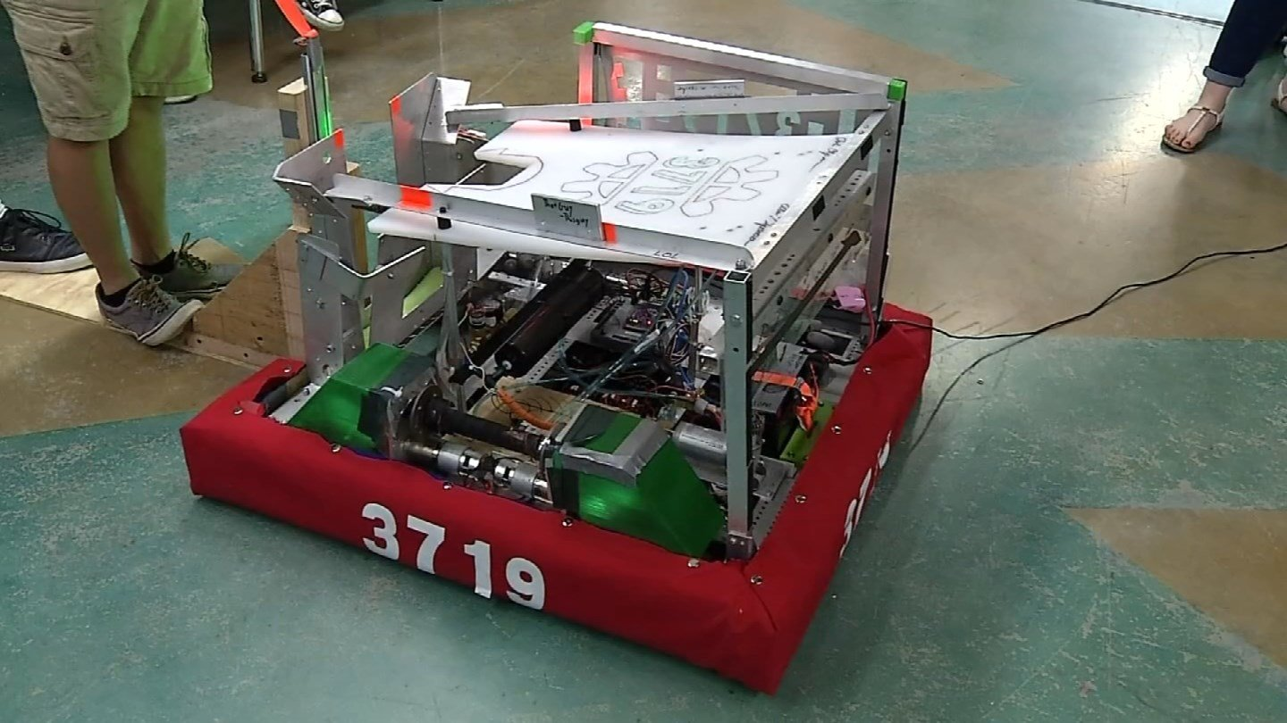 New London's Stem Whalers built a robot as part of a competition (WFSB)