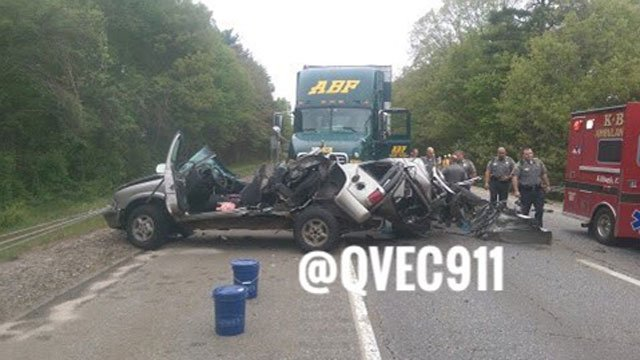 """A """"serious"""" motor vehicle crash involving a tractor-trailer was reported on  Interstate 395 in Killingly on Wednesday afternoon.  (@QVEC911)"""