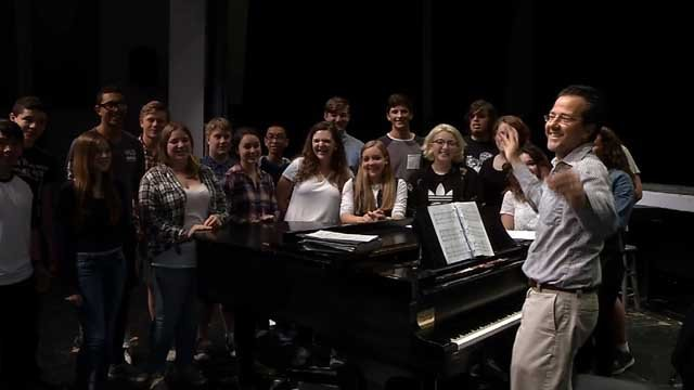 Ledyard High School Chorus is providing backup vocals for Barry Manilow (WFSB)