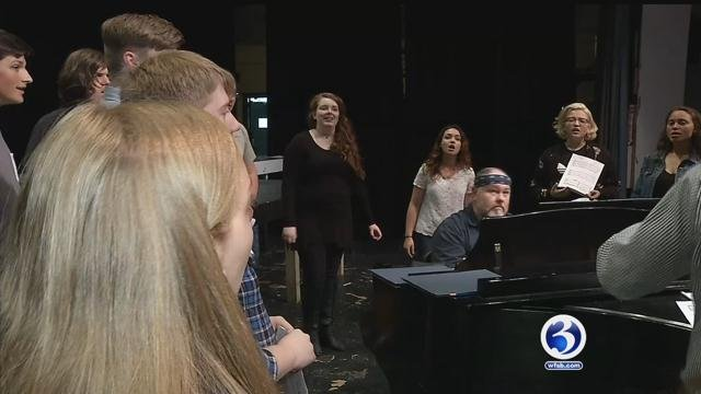 Ledyard chorus to sing backup vocals for Barry Manilow