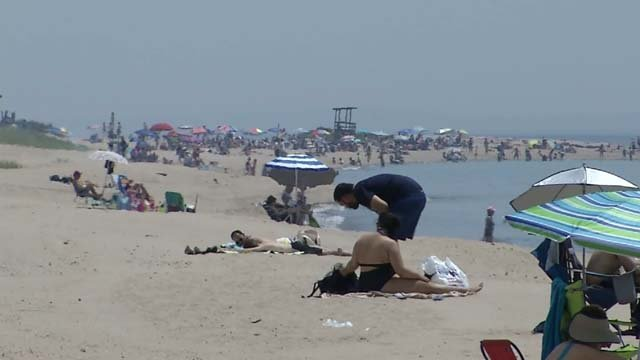 Those who were working and playing outside in the heat were taking precautions (WFSB)