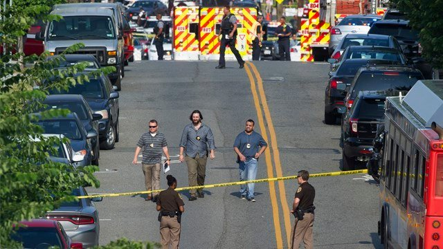 lexandria, Va. Police and other first responders block East Monroe Ave. in Alexandria, Va., Wednesday, June 14, 2017, after a shooting involving House Majority Whip Steve Scalise of La, at a congressional baseball practice. (AP photo)