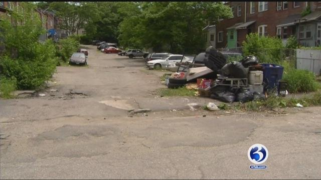 Historic homes are in need of cleanup and now, residents are working to clean them up themselves. (WFSB)