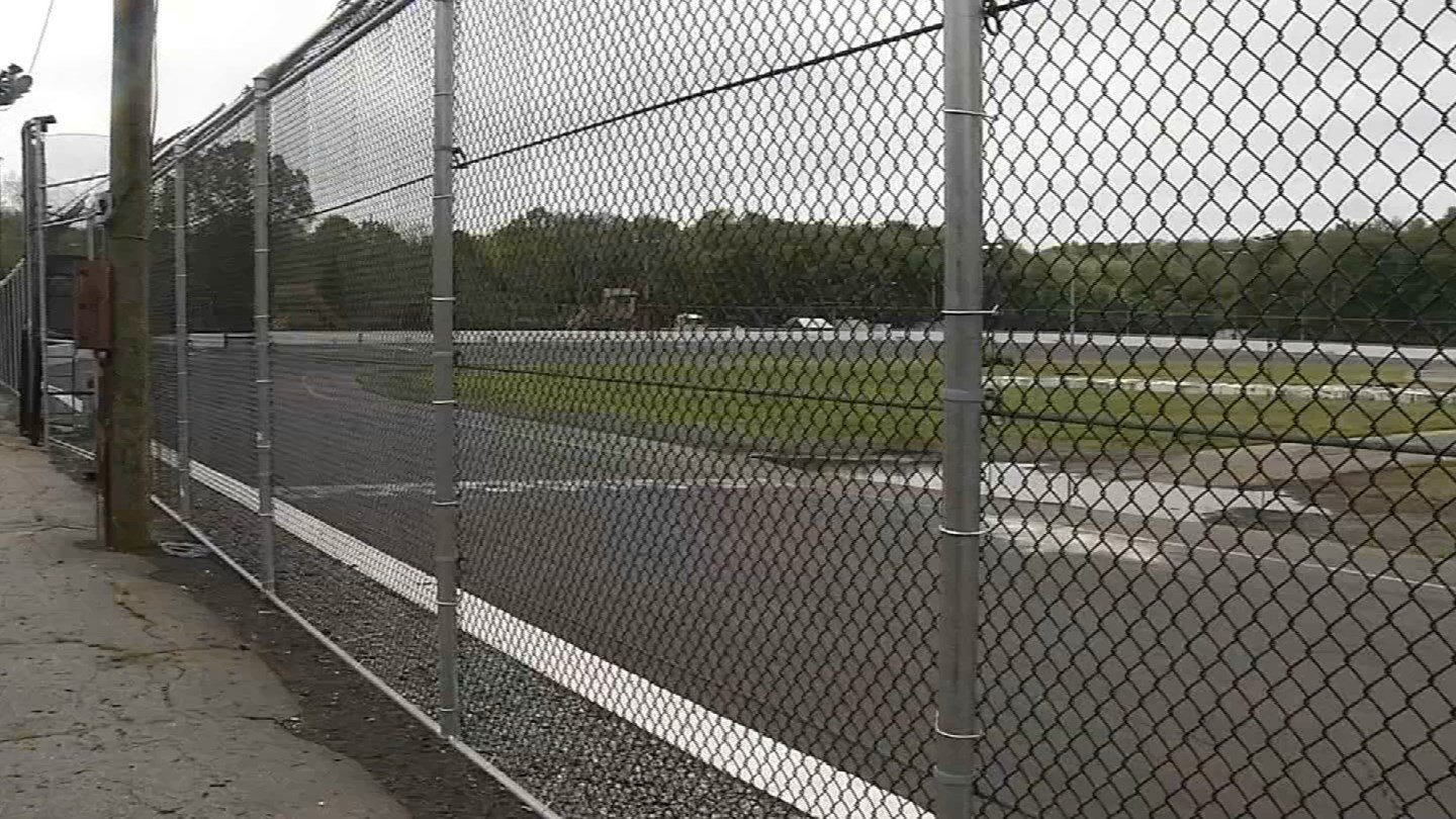 New London-Waterford Speedbowl set to reopen (WFSB)