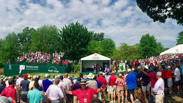 Crowds gathered to watch the second day of last year's tournament. (@TravelersChamp photo)