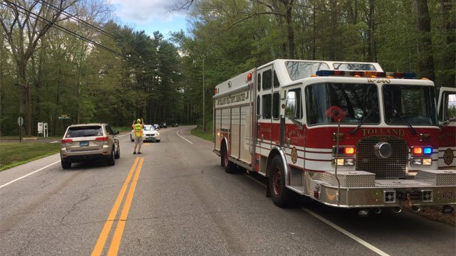 A head-on crash closes Crystal Lake Road in Tolland. (@TollandAlert)