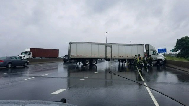 A crash involving a jackknifed tractor-trailer has closed I-95 north in Bridgeport. (CT State Police)