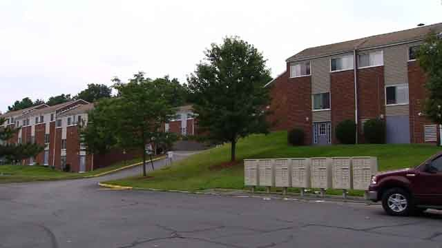 Residents at the apartments on State Pier Road in New London say a man exposed himself to young girls (WFSB)