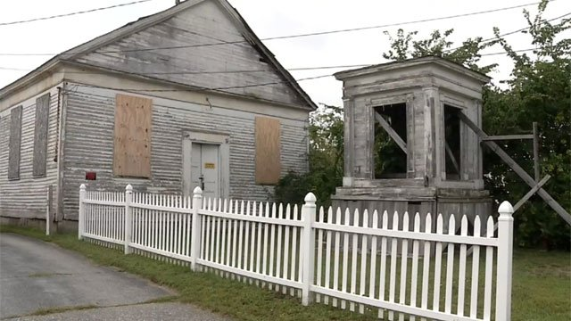 Voluntown residents to discuss what to do with the old meeting house. (WFSB)