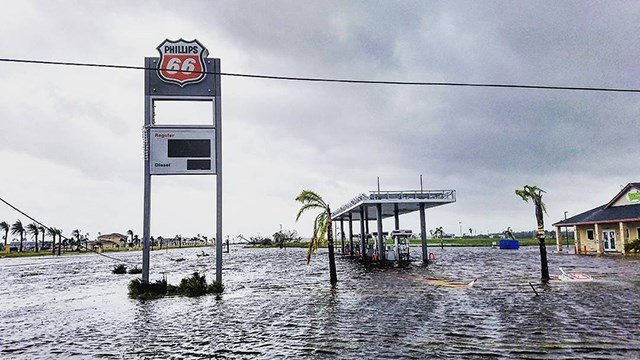 Flooded gas station in Aransas Pass, Texas following Hurricane Harvey. (CNN)