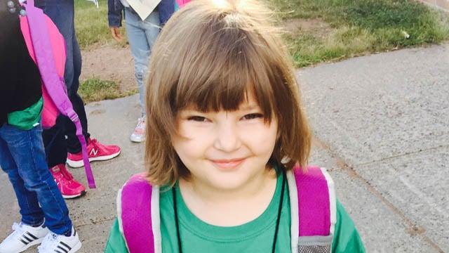 Audrey from Hamden heads to kindergarten. (Christina/iWitness photo)
