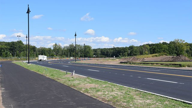 A new 280,000 square-foot outlet center is coming to East Hartford. (Town of East Hartford)