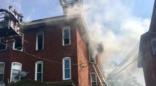 Fire reported on Hungerford Street in Hartford on Monday morning. (@ortizraulHFD)
