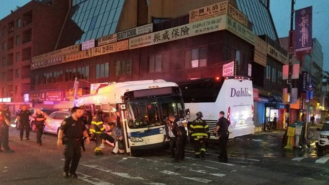 1 dead, 17 hurt when MTA bus, charter bus collide in Queens