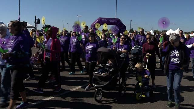 The annual Walk to End Alzheimer's drew thousands on Sunday (WFSB)