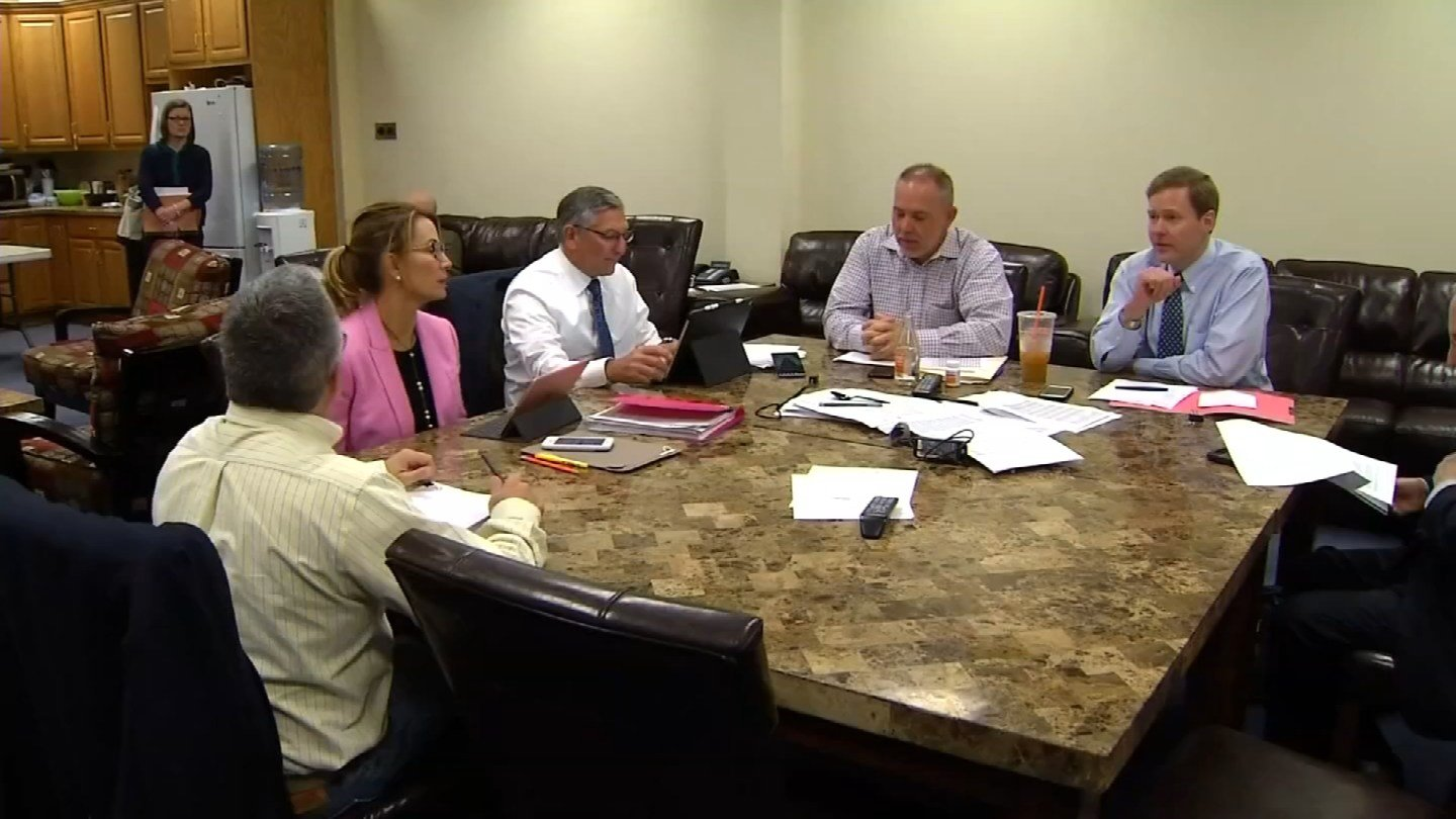 Lawmakers continue to try and hammer out a state budget deal. (WFSB)