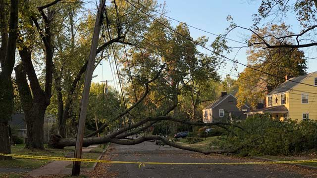 Homeowners on Four Mile Road in West Hartford complained of a lack of power on Tuesday. (@dogwhisperer0/iWitness)