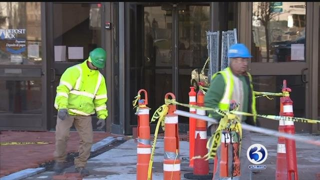 Workers dealt with bone-chilling winds in Hartford on Friday. (WFSB)