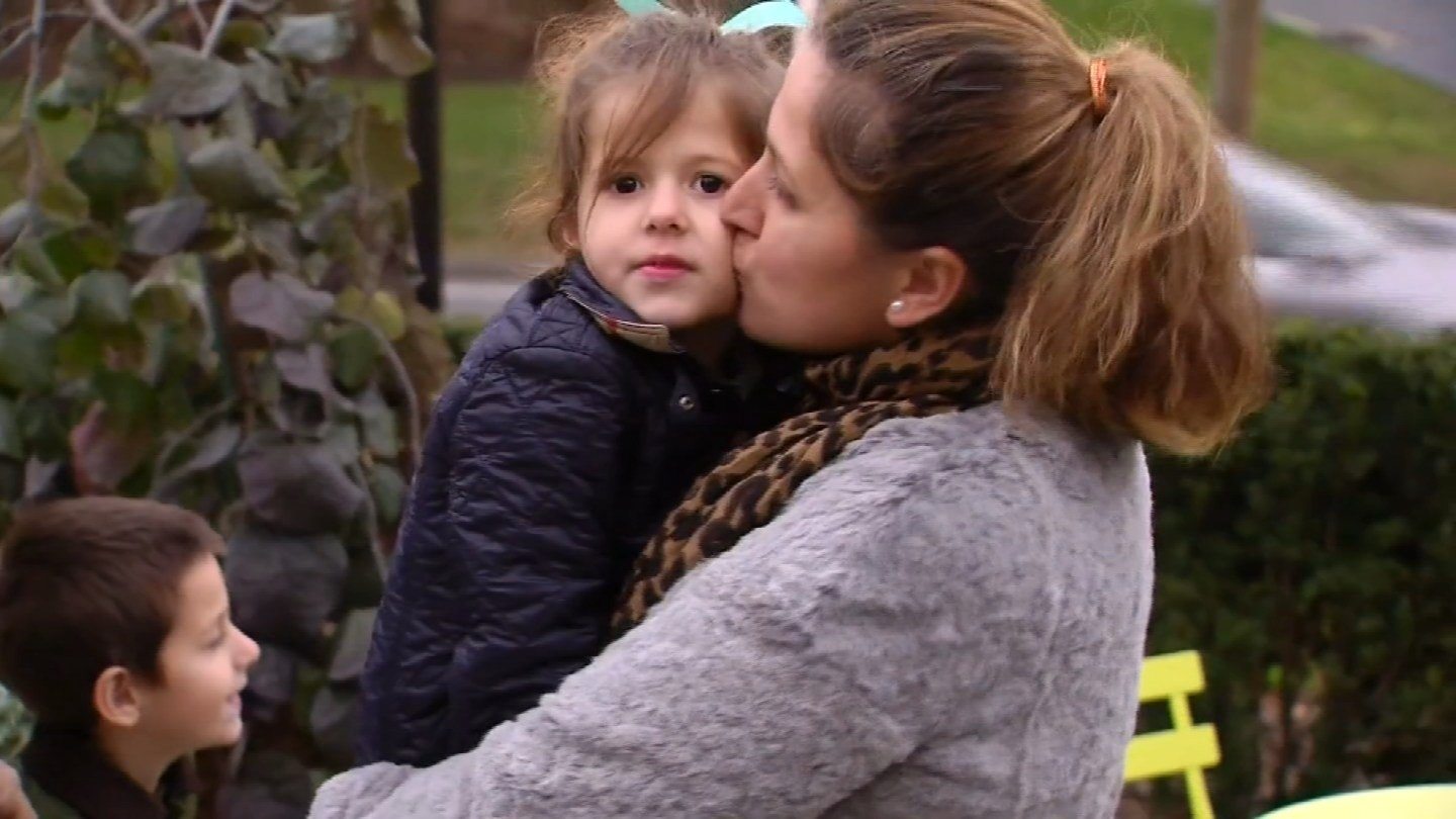 Cheshire mother of 3 set to be deported to Albania tonight