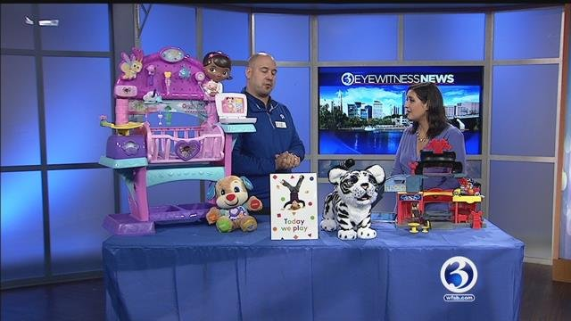 Toys R Us shows us the hottest toys of holiday season