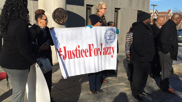 "Protesters call for ""justice for Jazzy"" outside of Hartford Superior Court. (WFSB)"
