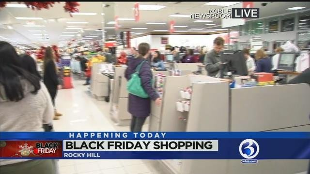 CT residents wake up early to shop on Black Friday