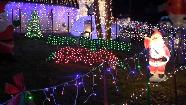 Dan Amarante's winter wonderland has won a national contest and it gives back to the community. (WFSB)