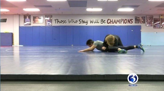 Seventeen-year-old girl makes competitive wrestling her passion (WFSB)
