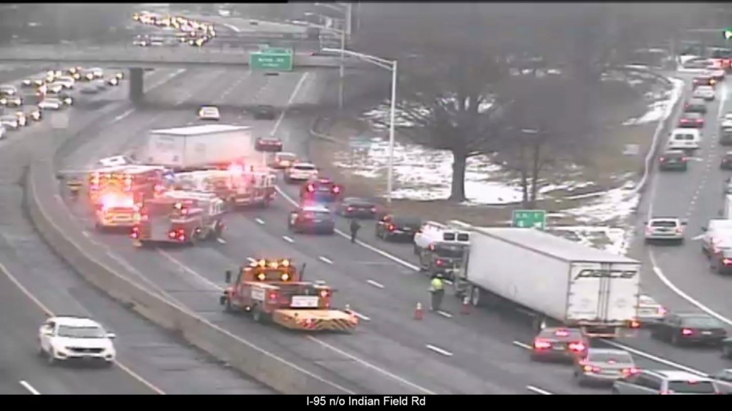 A tractor trailer jackknifed on I-95 south in Greenwich on Monday morning. (DOT)