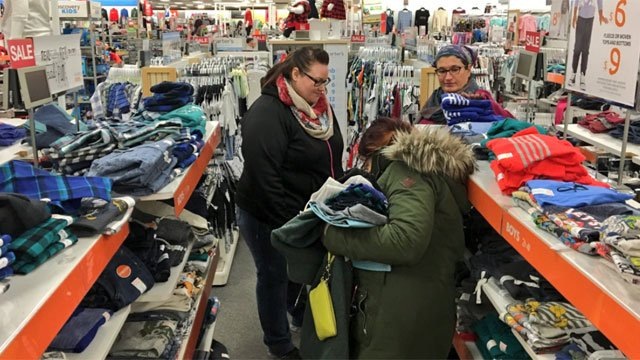 Three days to go before Christmas ??shoppers perusing the stores for final gifts to throw under the tree. (WFSB)