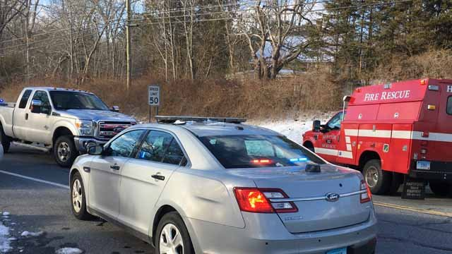 Two injured in crash on Route 8 in Harwinton