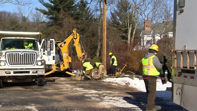 Crews work to repair water main break in West Hartford. (WFSB)