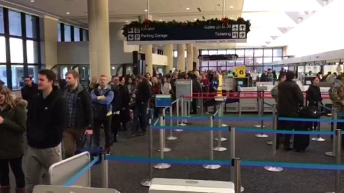 Frantic customers flocked to Bradley airport on Wednesday in hopes of beating Blizzard Brody. (iWitness)