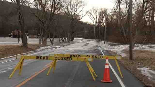 Route 7 is closed indefinitely while crews monitor the ice dams on the Housatonic River (WFSB)